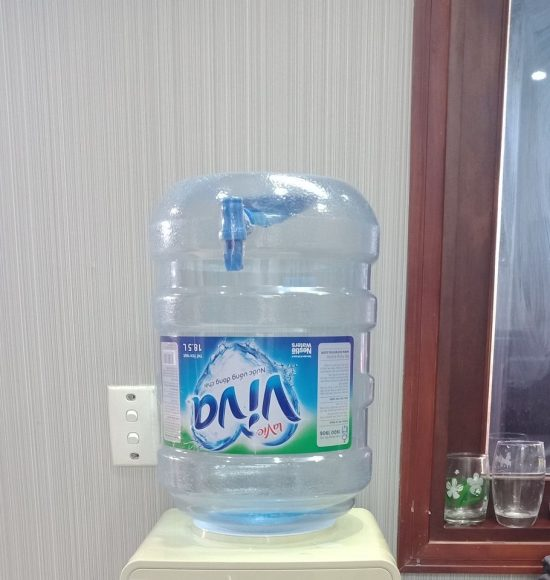 bình nước Lavie Viva có vòi